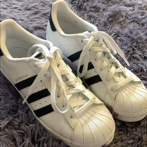 Adidas superstar size 6